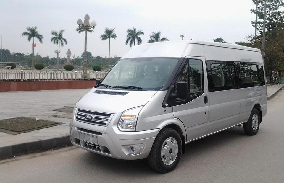 Cho thuê xe du lịch 16 chỗ Quận Tân Phú giá rẻ